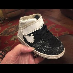 Toddler boy NIKE FORCE HIGH TOP SNEAKERS SZ 5